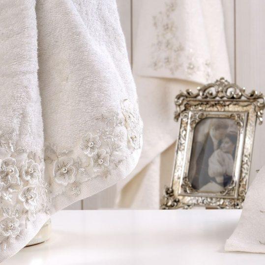 Купить BRIDE МОЛОЧНЫЙ IRYA полотенце