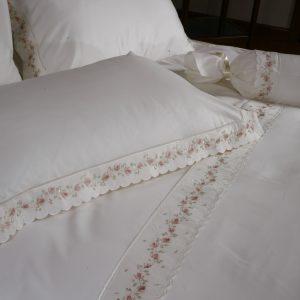 Купить Suprise Pembe Begonville постельное белье с вышивкой