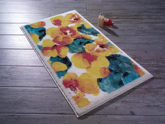 flower-dust-sari-confetti